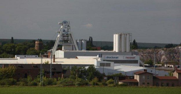 Alemania, una explosión en Teutschenthal: sujeto a los 35 mineros atrapados durante horas y a 700 metros de profundidad