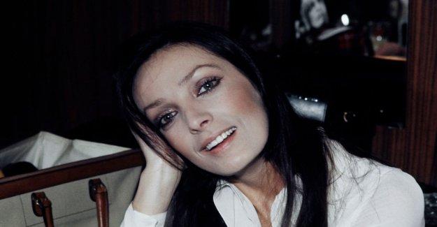 Está muerto, Marie Laforêt, la niña del ojo de oro
