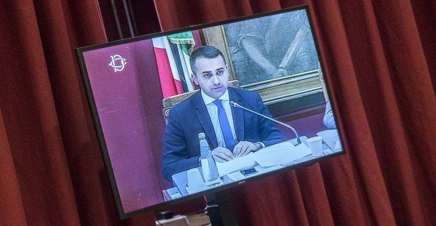 M5S de Luigi Di Maio. los ataques de los adversarios: Quien quiere hacer su propia cosa, que el Movimiento
