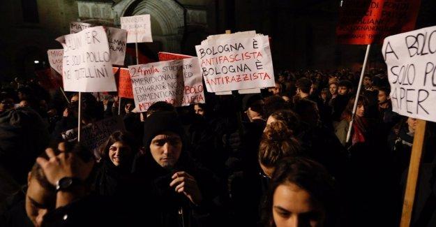 Salvini en Bolonia para el Regional, mil en la procesión de los centros sociales