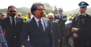 El gobierno, Toninelli: me ausente ayer en el consejo de ministros? Yo sigo aún con el teléfono