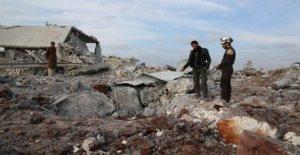Siria, 3 niños muertos en bombardeos en Idlib, dos escuelas dañadas, al menos 25 mil personas que huyen de