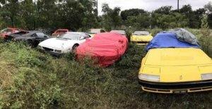 Once Ferrari abandonado en un campo, no hay respeto por el mito