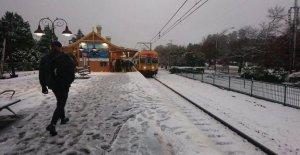 Loco el clima en Australia: nieve en...