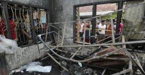 Yakarta, Langkat el incendio en una fábrica de cigarrillos abuso resulta en la muerte de 30 personas