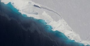 La antártida: los glaciares se están desintegrando. La nieve cánones en contra de la disolución