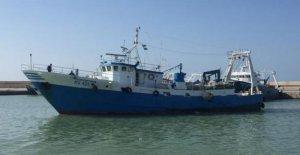 Libia, se apoderó del barco pesquero italiano con 7 personas a bordo