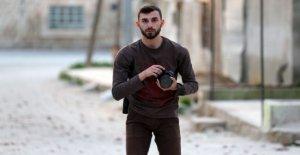 Siria, que murió en el bombardeo, fotógrafo y de voluntariado civil Anas al-Dyab: se trataba de un héroe Cascos Blancos