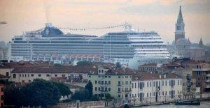 Como contaminan los cruceros? Promovido sólo dos de los 80