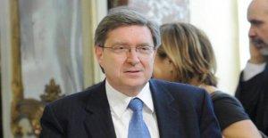 El gobierno, en el totopremier resiste Giovannini. Patuanelli en la pole position para el Transporte. Aquí están todos los supuestos en el amarillo-rojo