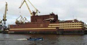 Rusia, la estación de energía nuclear flotante navegar en el Ártico