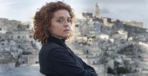 Imma Tataranni, las encuestas de la hembra de los sassi de Matera
