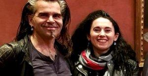 Piero Pelù dice que sí a su 'reina de corazones', Gianna Fratta: la proclamación de la social