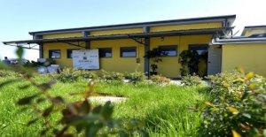 Alimentos de la Granja, inaugurado en el Parma de la escuela donde los estudiantes están llevando a cabo