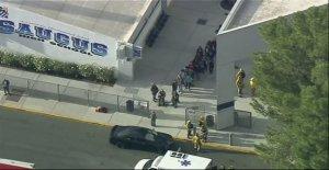California, el tiroteo en una escuela secundaria. Un muerto y cinco heridos. Detenido el sospechoso