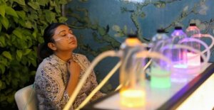 Contaminación excesiva en Nueva Delhi, nacido para oxígeno bares donde el refresco está en el aire