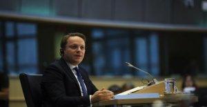 El Parlamento de la Ue se refiere el comisionado para la húngara: Cerca de Orban