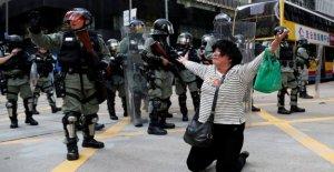 Hong Kong, los nuevos enfrentamientos en las calles. La policía: Estamos en el punto de ruptura. China ataques de reino unido y estados Unidos