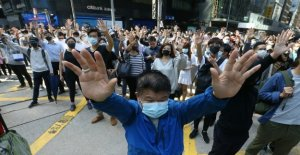 Hong Kong, muerto 70 azotada por el ladrillo durante los enfrentamientos. Policía: El Asesinato. Miles de personas en la plaza, paralizado en el centro financiero