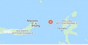Indonesia, violento terremoto de magnitud 7.4. Alerta de tsunami