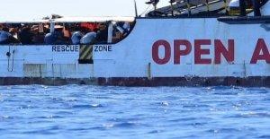 Los Brazos abiertos, Salvini investigado por el pm de Agrigento