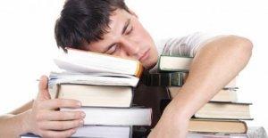 Los estudiantes en la universidad en tan sólo 40 minutos de sueño para hacerlo mejor