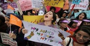 Pakistán, un debate sobre el feminismo: los altavoces están todos los hombres