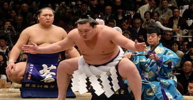 La leyenda de el sumo Hakuho traiciona a Mongolia a Japón