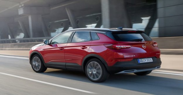 Opel Grandland X Hybrid4 AWD, ahora también en Italia