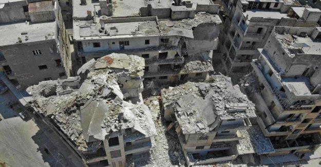 Siria, bombas sobre la ciudad de Ariha: la muerte de 15 civiles, más de la mitad son niños