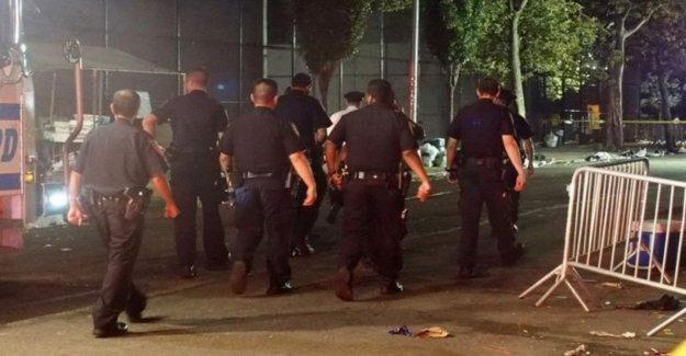 Tiroteo en un parque de Brooklyn, 1 muerto y 11 heridos. De Blasio: vamos a retirar las armas de nuestras calles