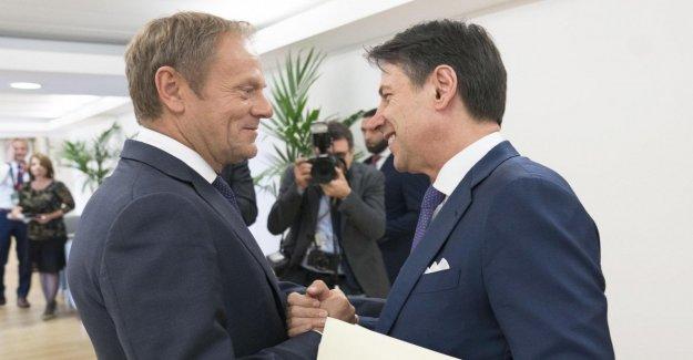 El gobierno de amarillo-rojo? Parte de la totonomi para el nuevo premier