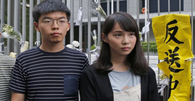 Hong Kong, una tensión de las estrellas: los activistas arrestados Josué Wang y Agnes Chow