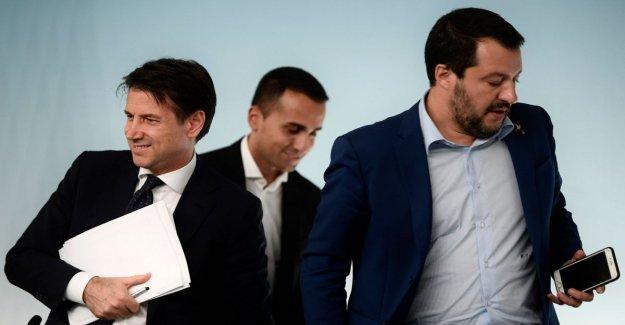 La crisis de gobierno, los medios de comunicación franceses: La Liga se puede ganar, la asociación con el pequeño partido fascista de los Hermanos de Italia