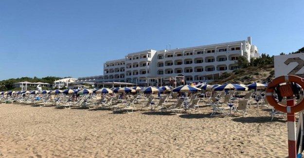La liga, a partir de el flop para el tour de playas. En la playa en Sabaudia no hay nadie y Salvini es la ruta en el Senado