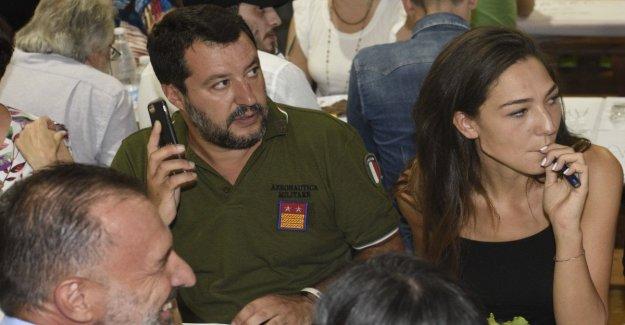 Salvini lágrima con Berlusconi: no necesitamos aliados. Y desafío a los obispos: vamos a ver sobre la eutanasia y adopciones gay