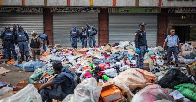 Sudáfrica, detenciones en masa, en el centro de Johannesburgo: vamos a limpiar nuestra ciudad