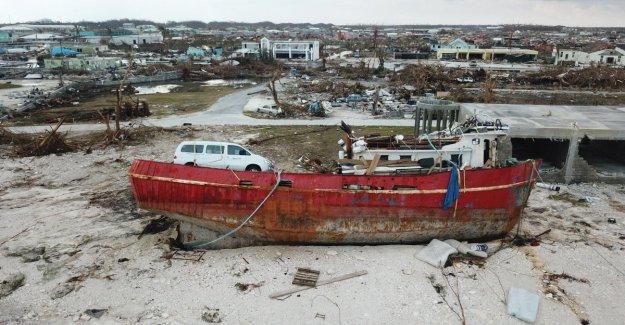 Bahamas advertencia de una tormenta tropical