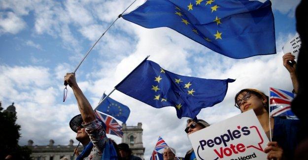 Brexit: vía libre definitiva de la ley Común anti-no hay trato. Johnson presenta la moción y pide elecciones anticipadas