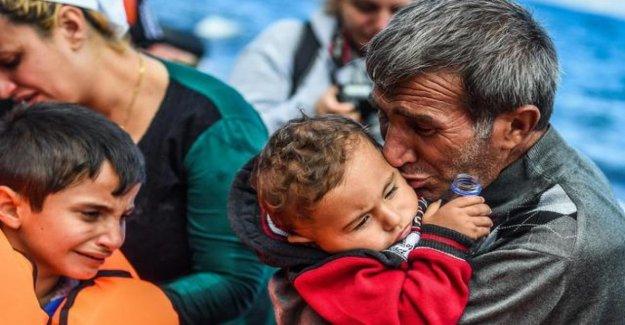 Grecia, miles de adultos y niños atrapados en las islas pagar el precio del contrato, inhumanos de la UE-Turquía