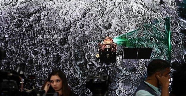 La luna, perdido el contacto con el módulo de aterrizaje de la india