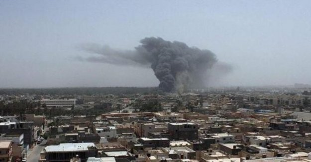 Libia, Haftar: mega ofensiva en las afueras de Trípoli. Los bombardeos aéreos y de tierra al sur de la ciudad