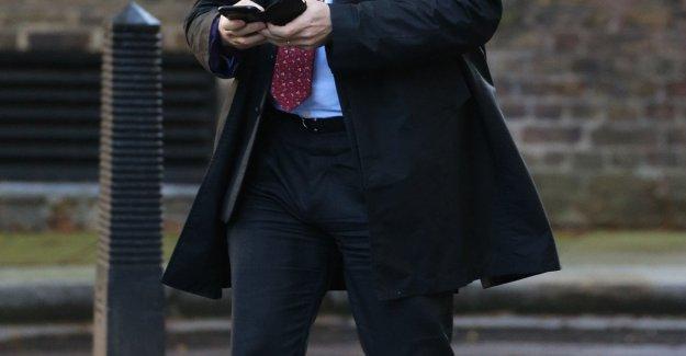 Un tory hojas de la parte, Boris Johnson ya no tiene la mayoría en el Parlamento