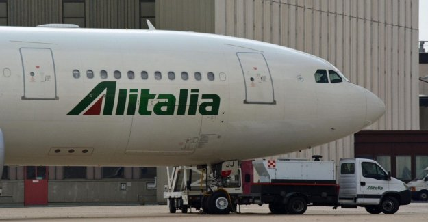 Alitalia, el movimiento de Atlantia: Si hay una revocación de las Carreteras dejamos el rescate