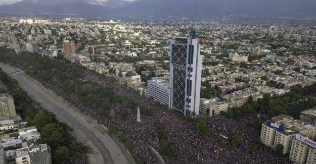 Chile, más de un millón de pies cuadrados. La protesta no se detiene
