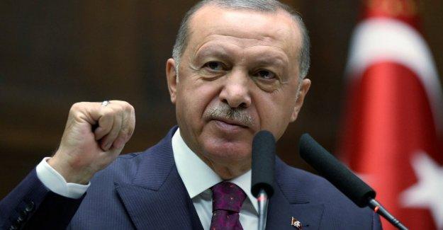 Erdogan: Desde el viernes, Turquía y Rusia pattuglieranno a lo largo de la frontera con siria