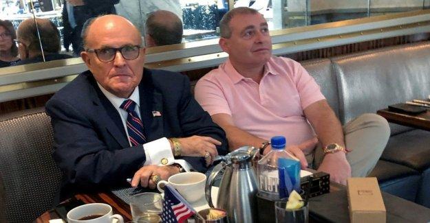 Estados unidos, las autoridades de Nueva York están investigando Giuliani para Ucrania
