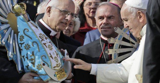 Islas malvinas, de vuelta en Argentina copia de la estatua de la Virgen, un gesto de la reconciliación de la Gb