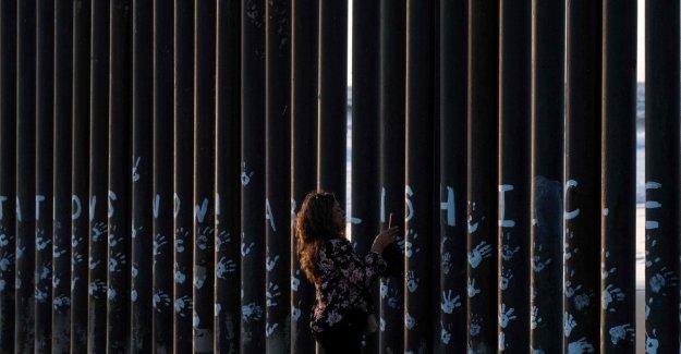 Los migrantes, Trump quería disparar a los migrantes en las piernas