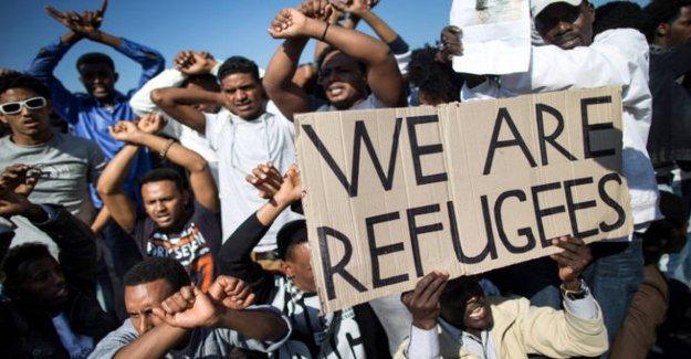 Los refugiados y los exiliados en Italia, Y ahora que conocemos mejor: y la forma de la primera red nacional
